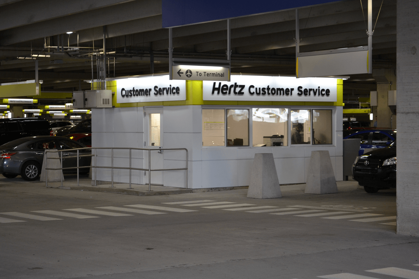 Hertz Car Rental - Boston Logan International Airport - BOS - Massachusetts - USA
